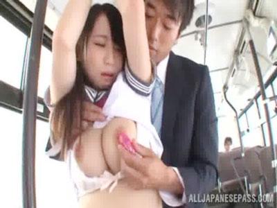 【AV女性向け動画】バスで痴漢に捕まりその場で無理やりレイプされる巨乳制服女子校生!