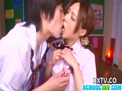 【イケメン女性向け動画】タツ、可愛い彼女と教室でセックス。何回もキスしながらラブラブなカップル