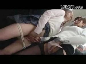【レズ女性向け動画】電車内で背後から手マン痴漢する痴女レズ!激可愛い女子高生の末路は…