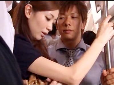 【しみけん女性向け動画】電車の中で強引に手マン痴漢!嫌がりながらもおまんこは濡れて…
