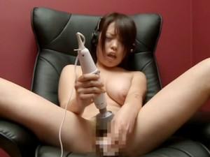 【オナニー女性向け動画】Gカップ巨乳女子大生がマン喫で電マバイブでイキまくるオナニーを盗撮