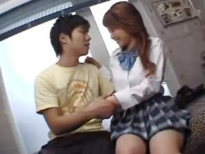 【鈴木一徹女性向け動画】イケメンな彼のおうちで緊張しながら初めてのラブラブセックスをする制服女子校生