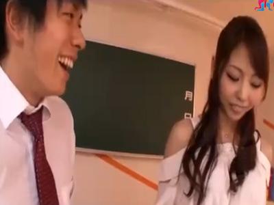 【乱交SEX女性向け動画】不良男子学生がちゃんと勉強するとゆう条件でスカートの中を見せてあげる先生・・・