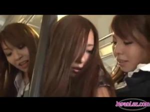 【痴漢レズ女性向け動画】買い物帰りに電車に乗っていた美人妻が淫乱女二人組に痴漢プレイで犯される…