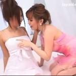 【キスレズ女性向け動画】ドレスを着た美女が緊張しながらねっとりディープキス…