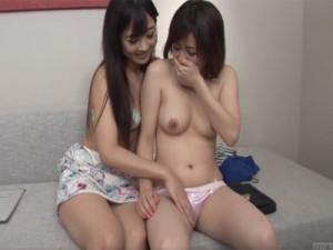 【手マンレズ女性向け動画】大槻ひびき ナンパで捕まえたノンケ素人に優しくレズセックスを教え込む美女…