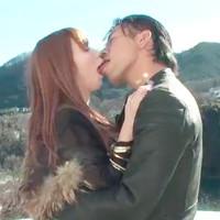 【イケメン無修正女性向け動画】穏やかな山の景色と爽やかな空気を味わいながら甘いキス♥
