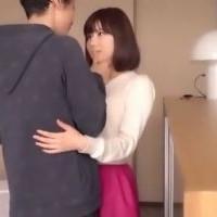 【SEX女性向けAV動画】ミディアムヘアの慣れないホテルとこれから起こる体験を予想してドキドキしちゃう美女