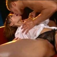 【SEX女性向けAV動画】色黒マッチョなお兄さんとローショーンまみれのヌルヌルSEX♥テカった身体がセクシー♪