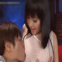 【SEX女性向けAV動画】エッチな衣装の上から乳首を攻められて感じちゃう・・・